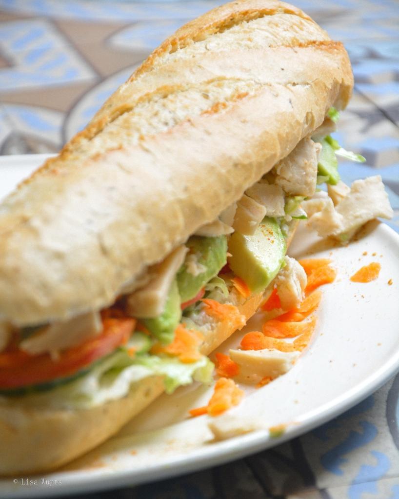 Een vegan alternatief op mijn favoriete 'smoske' van vroeger: de club kip. Heerlijk!